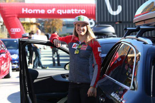 Katharina Liensberger kommt mit einem Audi A4 Avant sicher durch den Winter. ösv