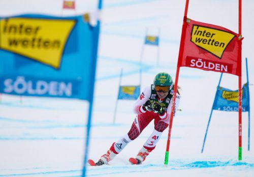 Katharina Liensberger lieferte beim Saisonstart ihr bisher bestes Weltcup-Riesentorlaufresultat ab. Im flachen Schlussteil konnte die Göfnerin mit der Weltspitze mithalten. gepa