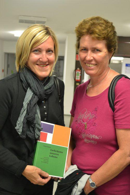 Kordula Ritsch und Karin Klinger ließen sich die Lesung nicht entgehen.