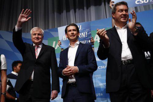 Kurz legte sich für Parteichef Seehofer (links) und Ministerpräsident Söder ins Zeug. AP