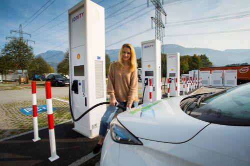 Mit den neuen E-Ladestationen sollen Elektroautos langstreckentauglich gemacht werden. VN/Paulitsch