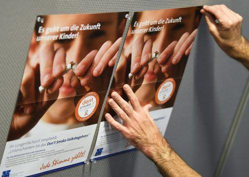 """Nachdem ÖVP und FPÖ das generelle Rauchverbot in der Gastronomie gekippt haben, wurde das """"Don't smoke""""-Volksbegehren gestartet. APA"""