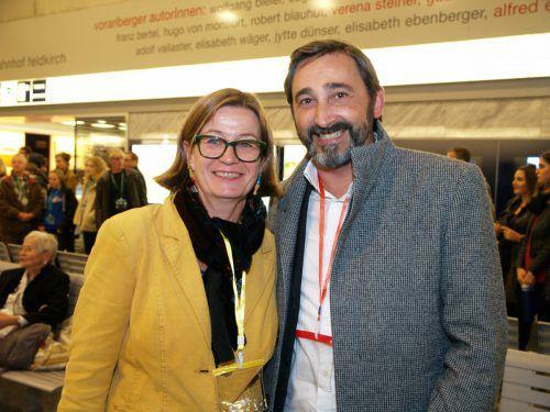 Regisseurin Barbara Herold und Wolfgang Ender (Sparkasse Feldkirch).