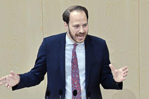 Scherak fordert, Wirtschaft und Nachhaltigkeit gleich zu gewichten. APA
