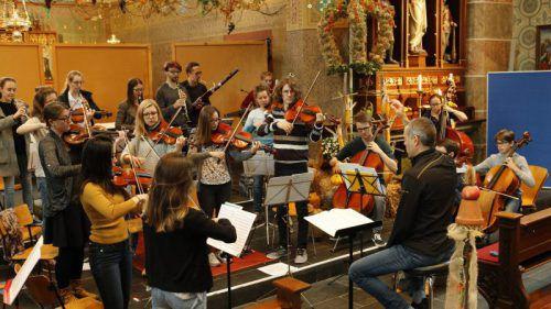 Stefan Susana leitet die neugegründete Kammer Philharmonie Vorarlberg. r. fritz
