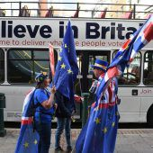 Brexit-Minister lehnt enge EU-Bindung ab