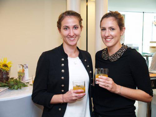 Unter den Gästen: Karin Steurer (l.) und Anna Hecht.