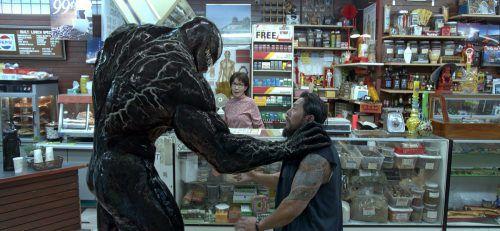 """Verfolgungsjagden, explodierende Drohnen und jede Menge Opfer dominieren """"Venom"""". Sony Pictures"""
