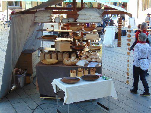 Viel Schönes aus Holz gab es am Samstag auf dem Dornbirner Markt.