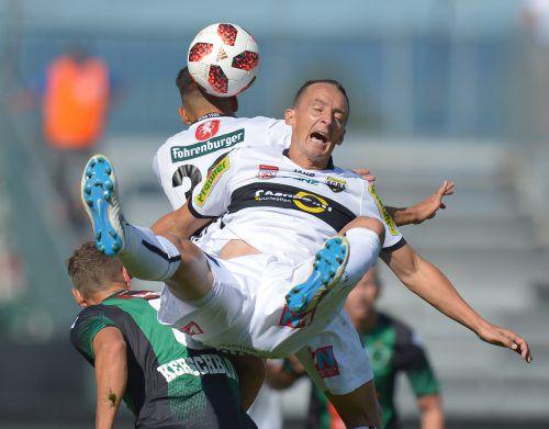Voller Einsatz, volles Engagement – so kennen die Altacher Fans Hannes Aigner. Auf Bilder wie diese müssen sie nunmehr zumindest im Herbst verzichten.GEPA
