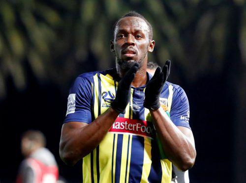 Vorerst kann Usain Bolt nicht mehr Tore bejubeln. Sein Klub hat ihn vom Training suspendiert. Reuters