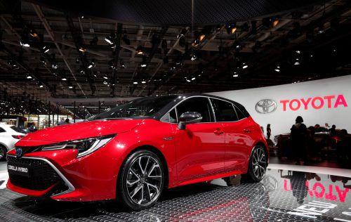 Zurück zum alten Namen: der Corolla löst den Auris ab. Freilich ist das Kompaktmodell auch mit Hybridantrieb erhältlich.