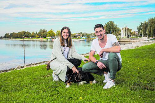 Zusammen mit Gattin Carla und dem Schweizer Sennenhund Carlos genießt Maximilian Hermann die ausgiebigen Spaziergänge rund um das Harder Binnenbecken.Steurer
