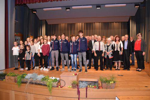 51 Vereinsmitglieder wurden im Rahmen eines festlichen Abends ausgezeichnet. egle