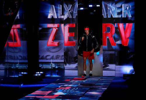 Alexander Zverev darf heute im Halbfinale gegen Roger Federer bei den ATP Finals in London wieder ins Rampenlicht.ap