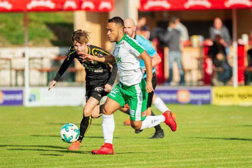 An dieser Stelle war Paulo Victor Rodrigues De Souza (rechts) zu schnell für Altach-Kaderspieler Boris Prokopic.VN-Stiplovsek
