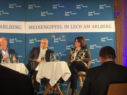 Arye Sharuz Shalicar und Faten Mukarker debattierten beim Mediengipfel.vn/haller