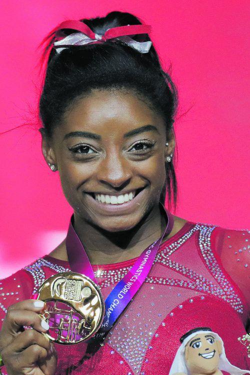 Auch am Boden die Nummer eins der WM: Simone Biles.ap