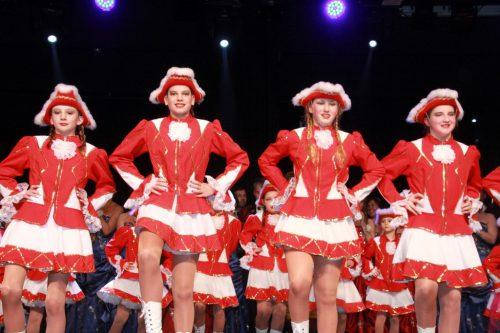 Auch die Gardemädchen freuen sich bereits auf die neue Faschingssaison. chf