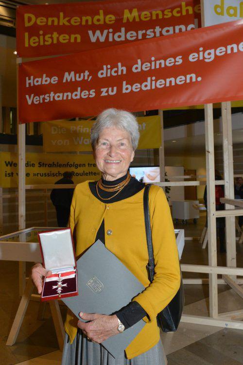 Auszeichnung für Hildegard Breiner. VLK