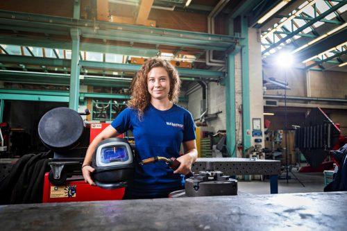 Corinna Stampfer hat erst maturiert und macht jetzt eine Metalltechniklehre bei den illwerke vkw in Vandans.