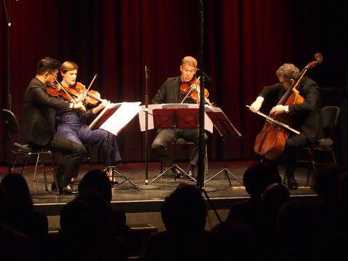 Das in der Remise wiederum exzellent agierende Quatuor Diotima kennt man in gleicher Kompetenz auch von Schubertiade-Konzerten. Ju