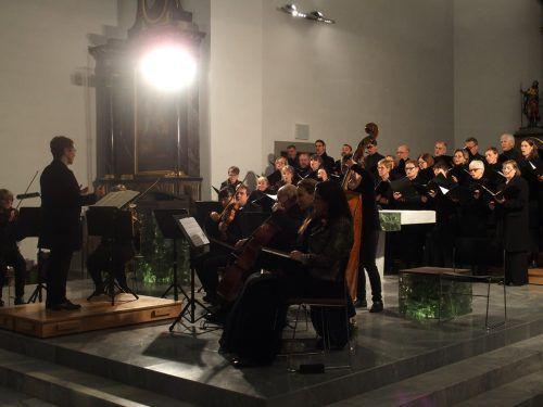 Das Jahreskonzert des Ensembles Kontrapunkt in der Oberdorfer Pfarrkirche wurde vom Stammpublikum gefeiert.jurmann