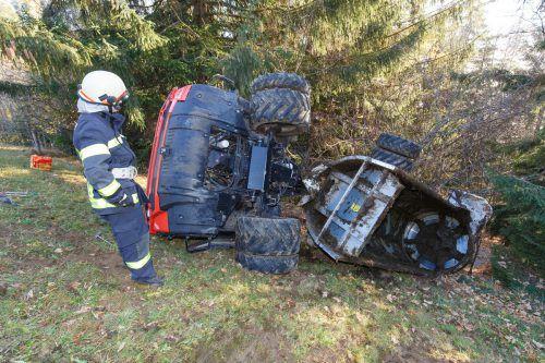 Das Unfallfahrzeug wurde von den Feuerwehren Übersaxen, Dünserberg, Düns und Schnifis geborgen. Hofmeister