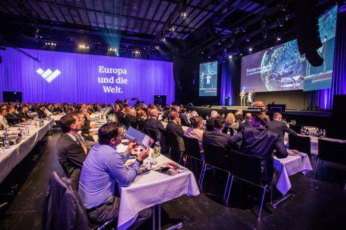 Das Wirtschaftsforum im Bregenzer Festspielhaus zieht Vertreter aus Wirtschaft, Politik und Interessenvertretungen an.