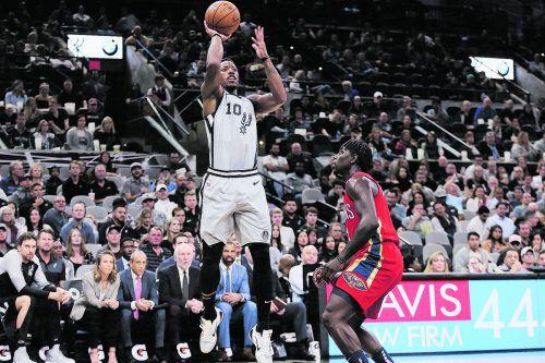 DeMar DeRozan warf 26 Punkte für die San Antonia Spurs.ap