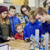 Energieunternehmen öffnete die Lehrwerkstätten