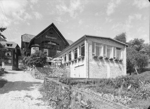 Der inzwischen abgebrannte einstige Gasthof Gurtisspitze.