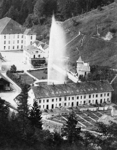 Der Springbrunnen im Gütle, der 1867 eingeweiht wurde, schoss einst 60 Meter hoch in den Himmel.stadtarchiv dornbirn