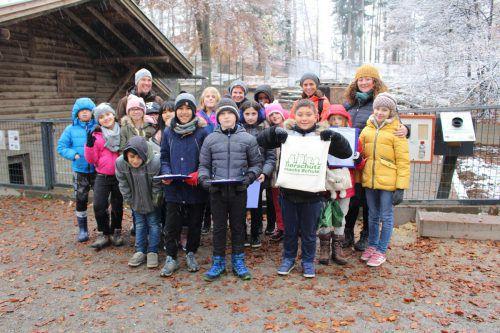 Die 3a der Volksschule Levis auf Exkursion im Wildpark Feldkirch. heilmann