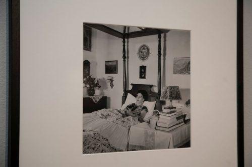 Die berühmte Malerin Frida Kahlo in ihrem Haus in Mexiko. Museum/Freund