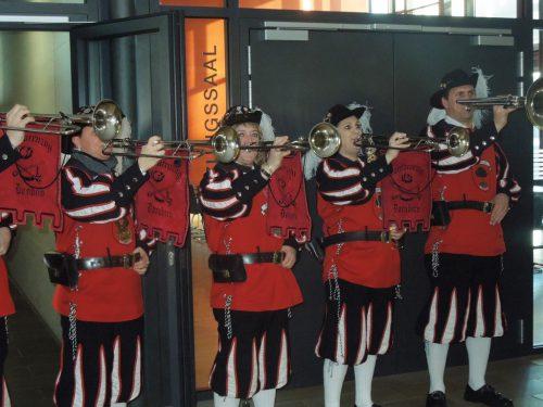 Die Dornbirner Fasnatzunft und zahlreiche Gäste aus Vorarlberg sorgen für einen krachenden Faschingsauftakt im Kulturhaus.cth