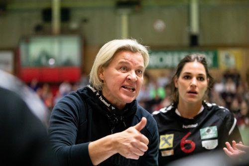 Die eindringlichen Worte von Trainerin Ausra Fridrikas brachte die Spielerinnen wieder einigermaßen in die Spur. vn/sams