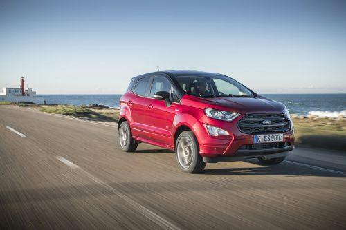 Die grundlegende Überarbeitung des Ford EcoSport resultiert in optimierten Fahr-, Wohnlichkeits- und Konnektivitätstalenten. Allrad ist auch zu haben.