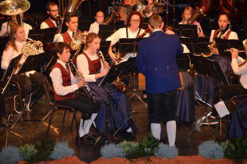 """Die """"Klangschmiede"""" stimmte die Konzertbesucher ein."""