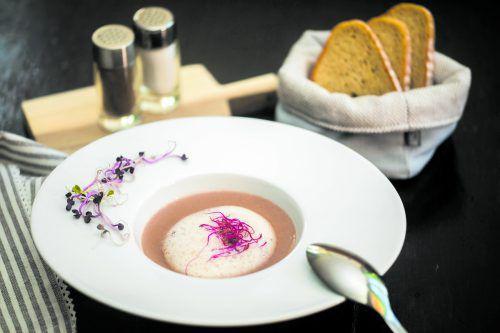 Die Maronischaum-Suppe ist im Herbst und Winter eine wunderbar wärmende Vorspeise.philipp steurer