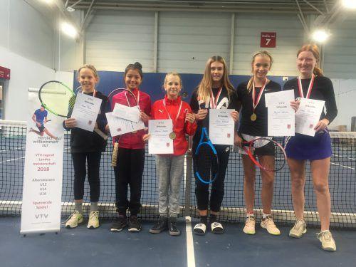 Die Medaillengewinnerinnen (v. l.): Anna Payer, Sydney Victoria Stark, Athina Ströhle, Sara Erhard, Angelina Wachter und Clara Rüscher. Verband