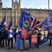 Mays Kabinett billigt Brexit-Deal