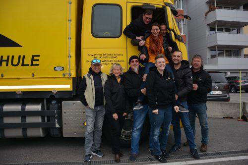 Die Mitarbeiter der Fahrschule Easy Drivers Breuss stellen ihren Chefs, Michael und Martin Breuss, ein ausgezeichnetes Zeugnis aus.Marcel Hagen