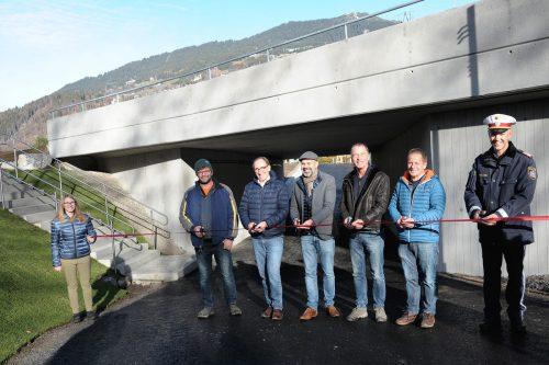 Die neue Geh- und Radwegunterführung, die im Bereich des Aktivparks Montafon unter der L 190 verläuft, wurde gestern offiziell eröffnet. VLK/Kees