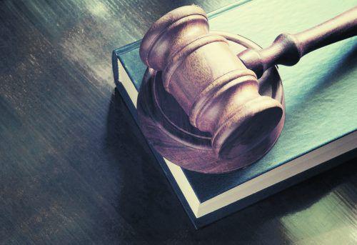 Die Rückdatierung eines Mietvertrages landete vor dem Richter.foto: shutterstock