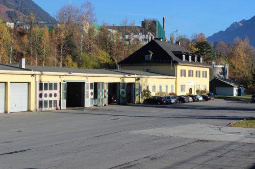 Die über 10.000 Quadratmeter große Liegenschaft am Bahnhof Bludenz ist der Postbus GmbH zu groß. VN-JS