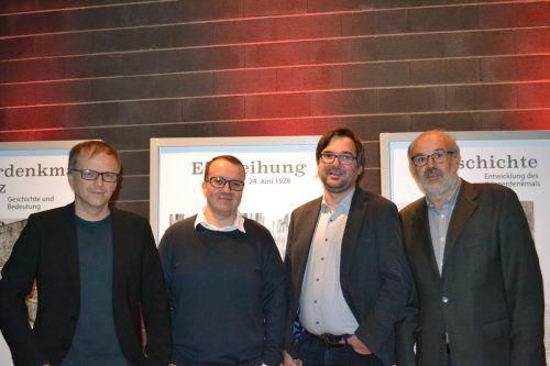 Die vier Referenten des Abends: Niko Hofinger, Severin Holzknecht, Christof Thöny und Werner Bundschuh (v.l.). BI