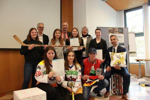"""Dieses Team der HAK/HAS Feldkirch wurde heuer Landessieger bei der """"Junior Company"""". schule"""