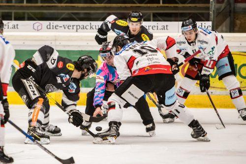 Dornbirn-Stürmer Scott Timmins und Co. trafen in den bisherigen Saisonspielen gegen Znojmo erst einmal.gepa
