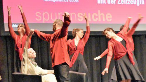 Eva Fahidi überlebte den Holocaust und hat ihre Erlebnisse in Form einer Tanzperformance dem Publikum nähergebracht.